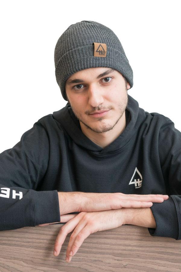 Gorro gris Help Snowboards fisherman